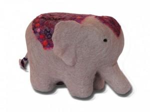 Small elephant made using felt