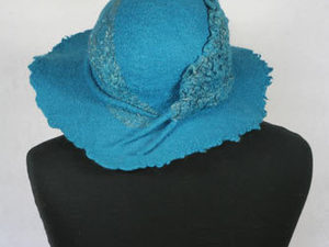 Turquoise Hat With Nuno Decoration
