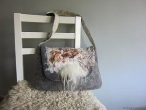Grey felt handbag with strap