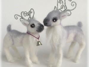 Christmas felted reindeers
