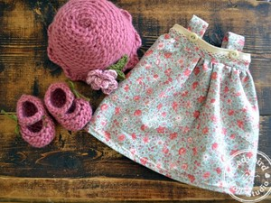 Pink wool booties and skirt