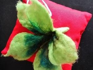 Needle felted green flower