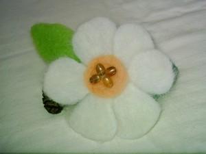 Flower felt broach