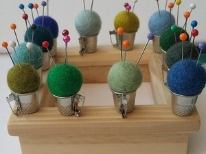 Felted balls to hold needles