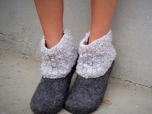 White and grey felted slipper socks