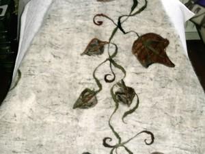 Blanket made out of felt with leaf design