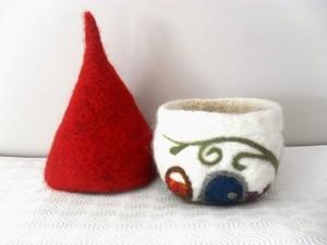 Cone and bowl designed using felt