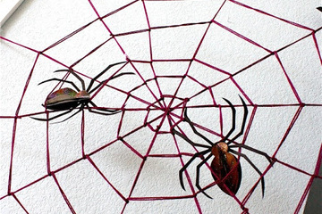 How to make - A giant yarn spider web for Halloween!