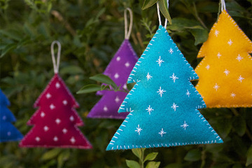 How to make felt tree decorations