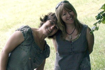 Featured artists - Isabelle And Janine