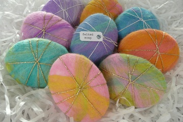 Tutorial of the month - How to make felted soaps and pebbles